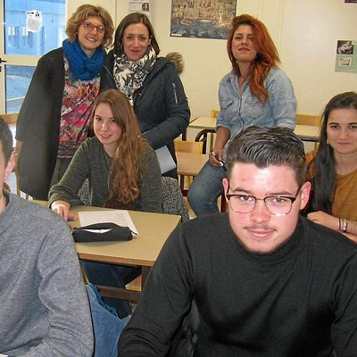 Les lycéens découvrent d''autres langues étrangères